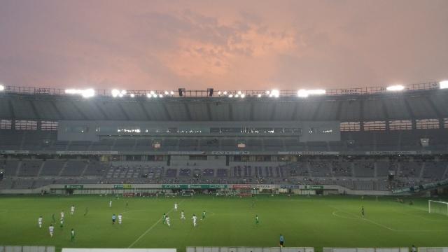 夕方のスタジアムの様子