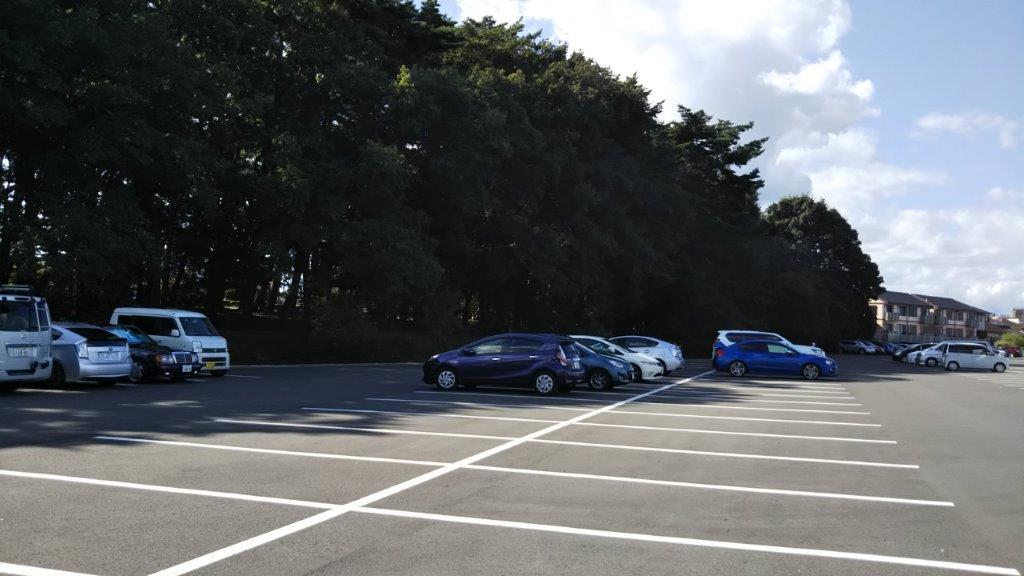 カンセキスタジアムとちぎ西駐車場日かげ